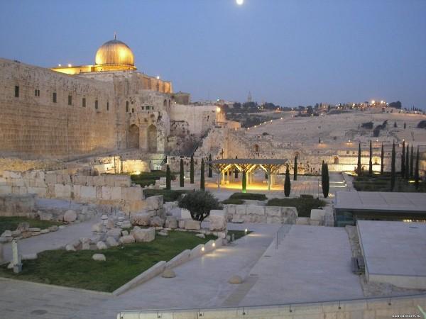 Вечерний Старый город в  Иерусалиме