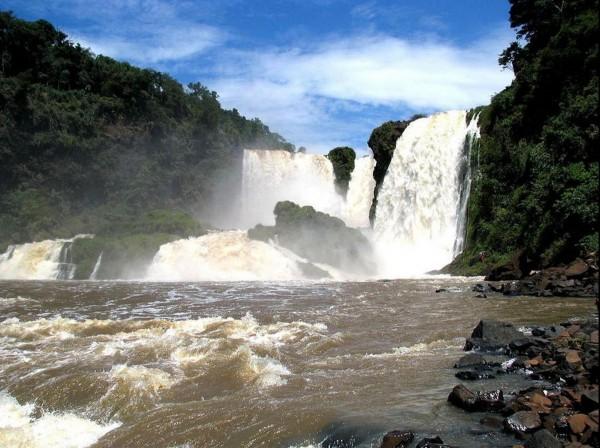 Водопад в Парагвае