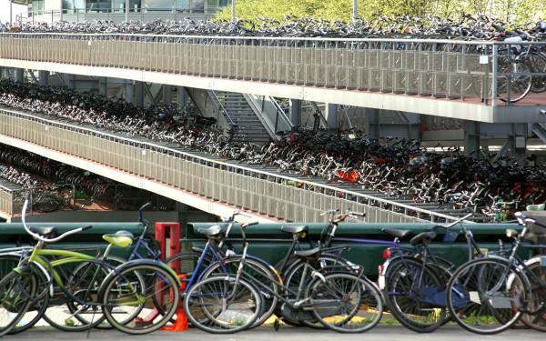Велосипеды популярны в Амстердаме