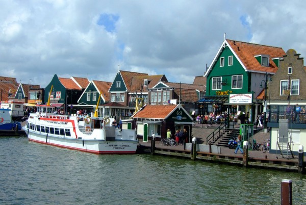 Рыбацкий городок Волендам близ Амстердама
