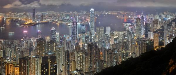 Вечерний Гонконг - город будущего
