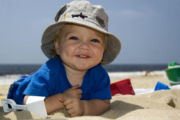 Отдых на пляже с малышом