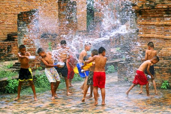 Весенний праздник воды - Катаклизмос