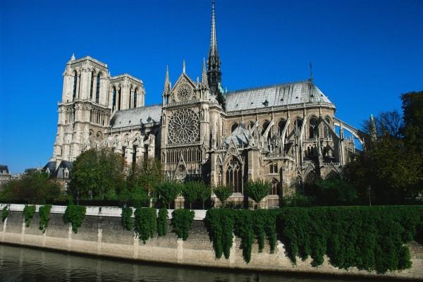 Собор Парижской Богоматери (Notre-Dame de Paris) — католический храм в центре Парижа