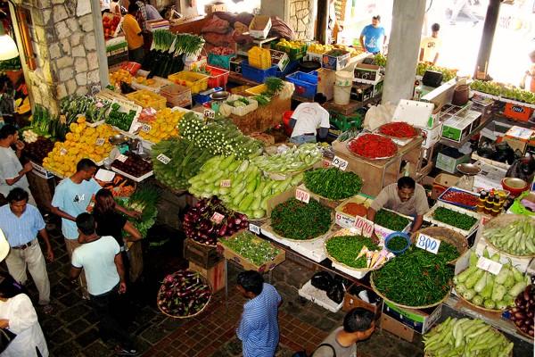 Живописный рынок в Порт-Луи на Маврикии