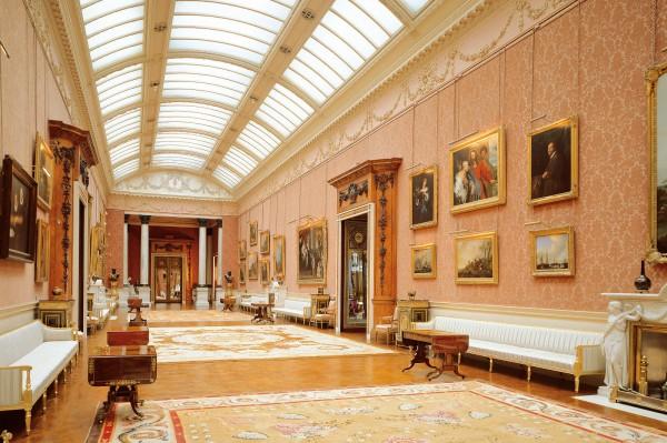 Картинная галерея Букингемского дворца.