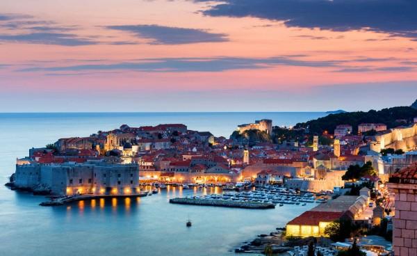Ночная жизнь в Дубровнике