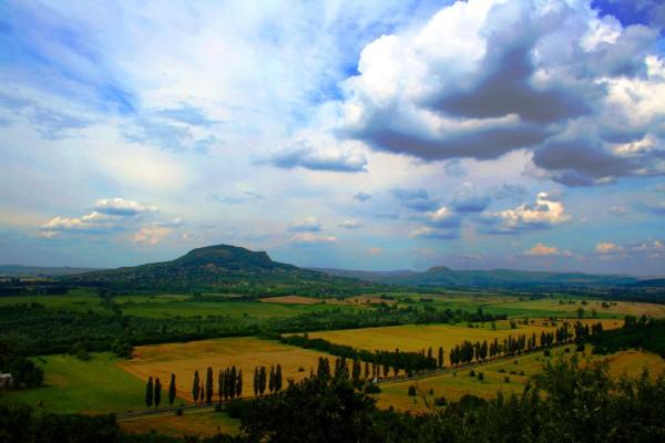Бадачоньтомай: вино, пейзажи и творческие личности