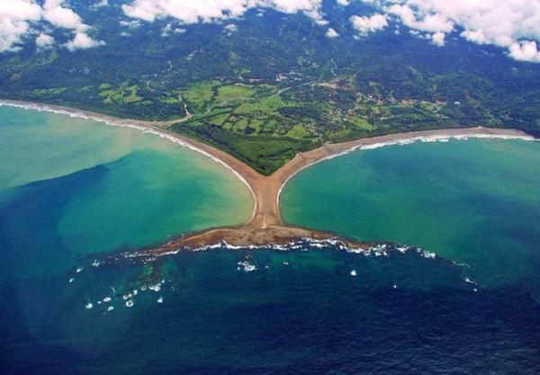 Пляж в Национальном парке Марино Бальена
