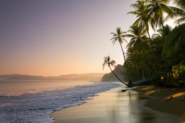 Закат на пляже в Коста-Рике