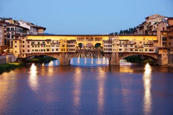 Мост Понте Веккьо во Флоренции